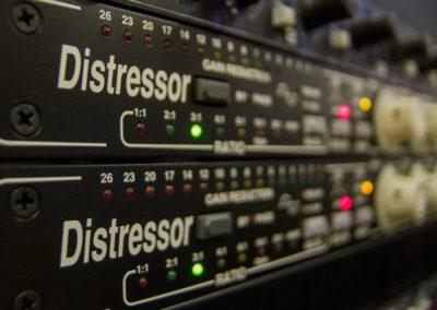 b_distressors
