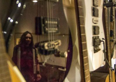 mur_guitares_chris